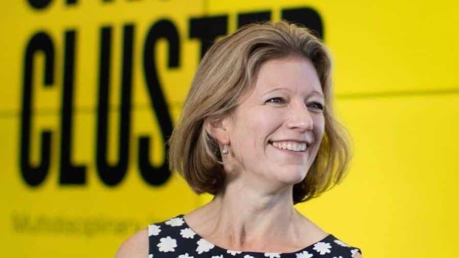 Dr Joanna Hart